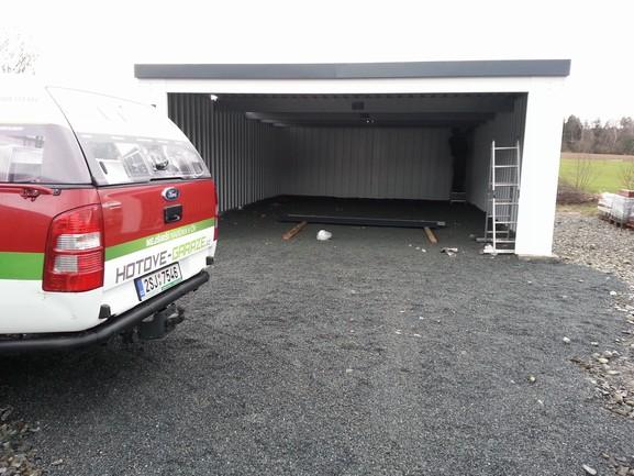 Velkoprostorová montovaná garáž