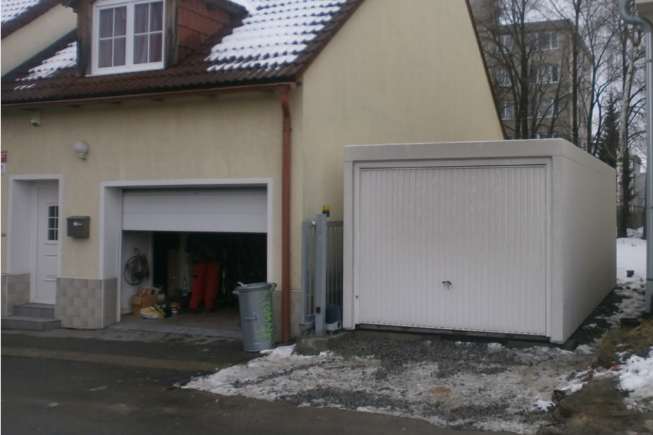 betonová garáž Knotek po osazení